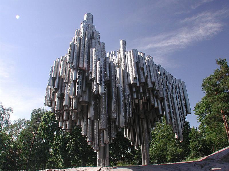 Интересная монументальная скульптура Sibel-3